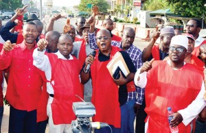 nnpc-workers.jpg
