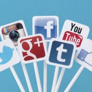 BUILDING A GREAT PERSONAL BRAND WITH SOCIAL MEDIA