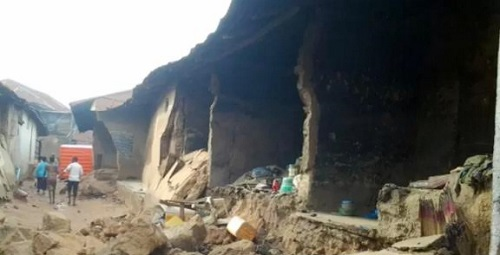 Building Collapses In Ogun, Kills Pregnant Mother, 5 Year Old Daughter