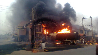 Man Burnt To Death By As PDP And APC Clash In Rivers