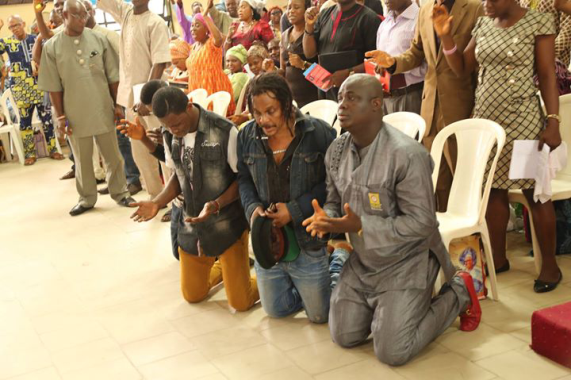 Photos: Majek Fashek visits popular Lagos church, CLAM